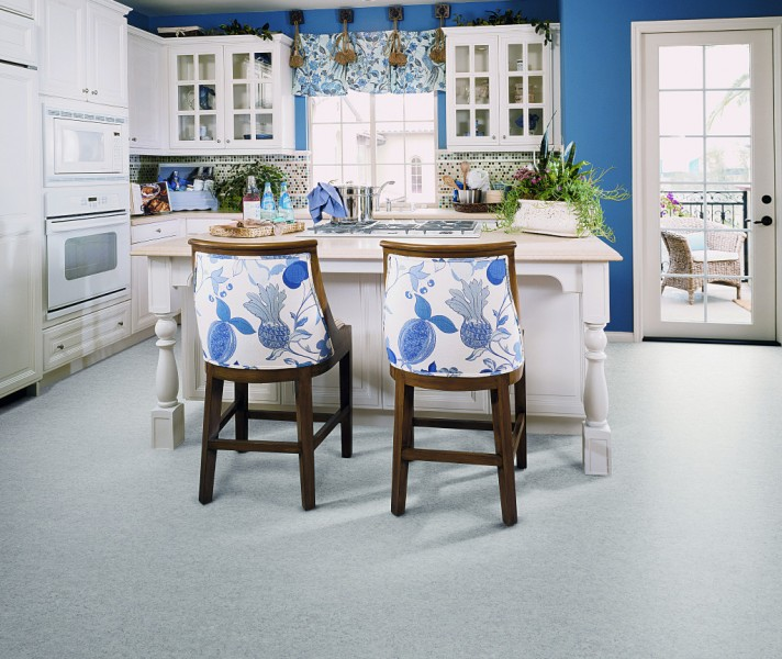 Vinyl flooring suppliers in Dubai