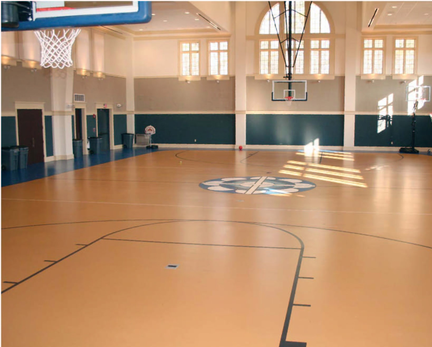 Gymnasium floor and gym covers at vinylflooring ae