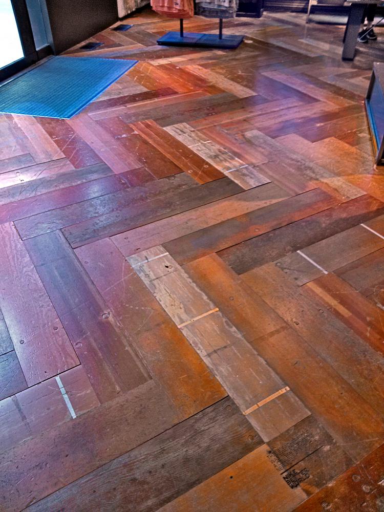 Gymnasium Floor And Gym Floor Covers At Vinylflooringae - Reclaimed gym flooring for sale