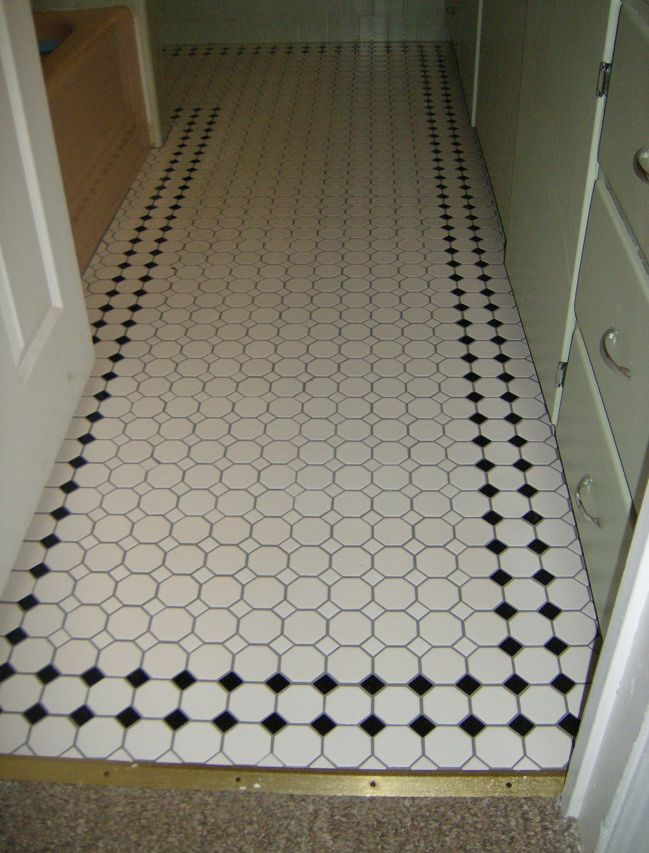 Bathroom sheet vinyl flooring -  Sheet Vinyl Flooring Bathroom